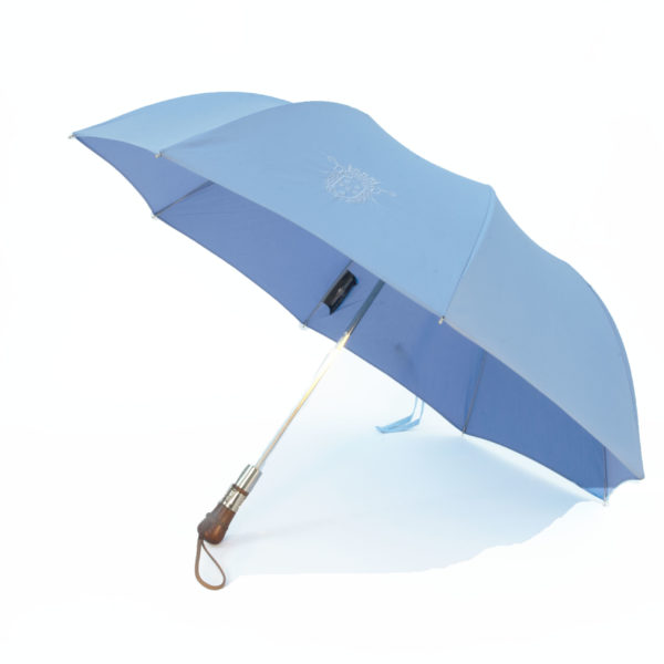 parapluie de cherbourg, le modèle pliant droit en ciel