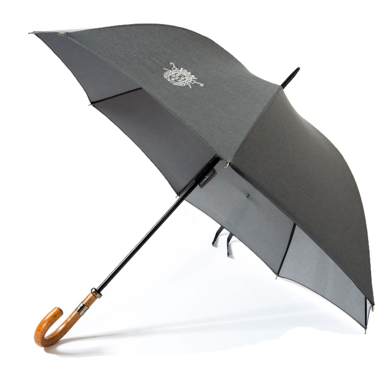 Le parapluie de Cherbourg Le sport-auto, poignée courbe en jonc, finitions canon de fusil, toile sergé coton gris foncé