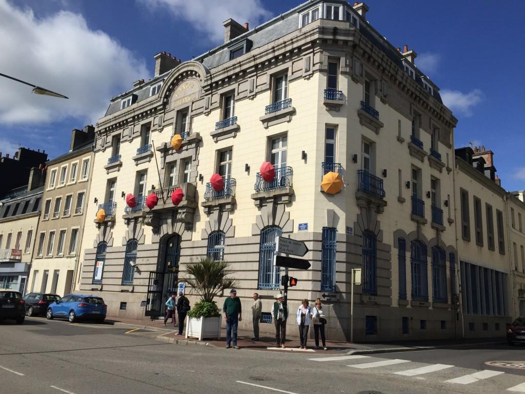 Façade de la manufacture des parapluies de Cherbourg