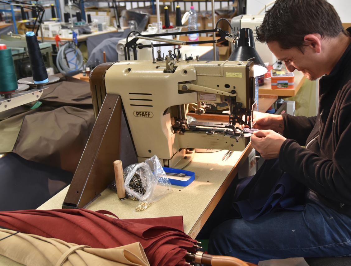 ateliers-manufacture-parapluies-de-cherbourg
