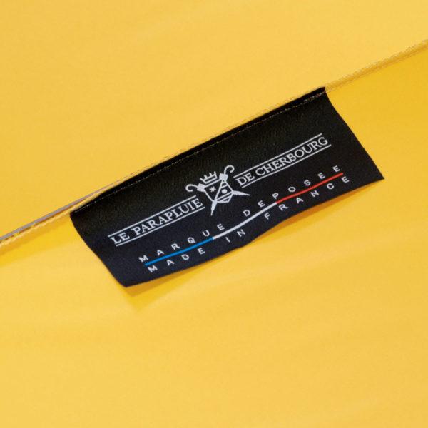 griffe-parapluie-jaune